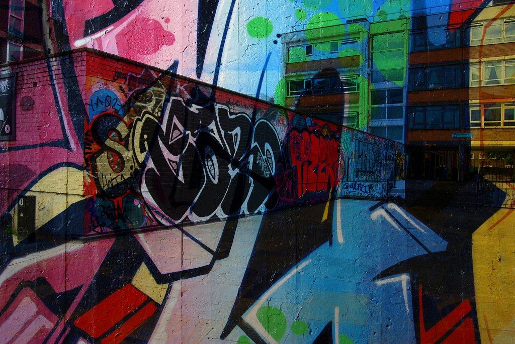 London-DE-Grafitti-1.jpg
